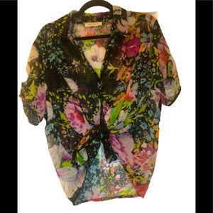 🦋3/$30 Laura plus sheer black floral print blouse